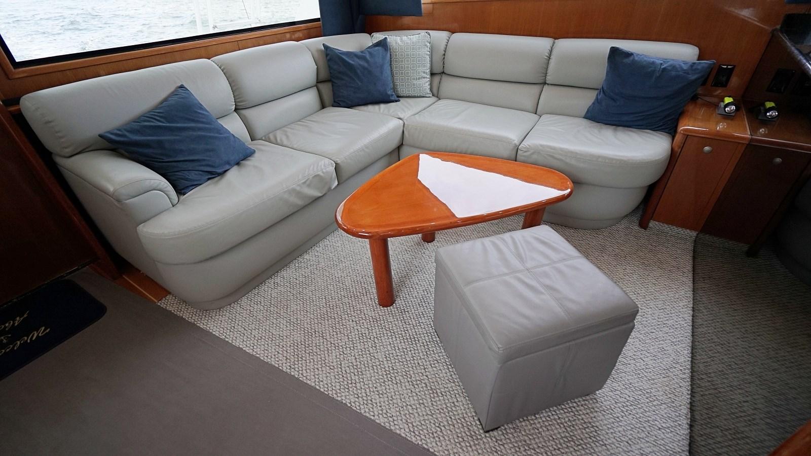 Salon Couch 1999 VIKING  Sport Fisherman 2887338