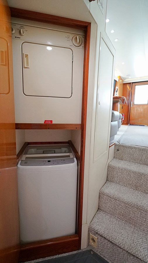 Washer & Dryer 1999 VIKING  Sport Fisherman 2887344