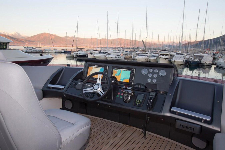 2013 PRINCESS YACHTS Princess 82MY Motor Yacht 2784045