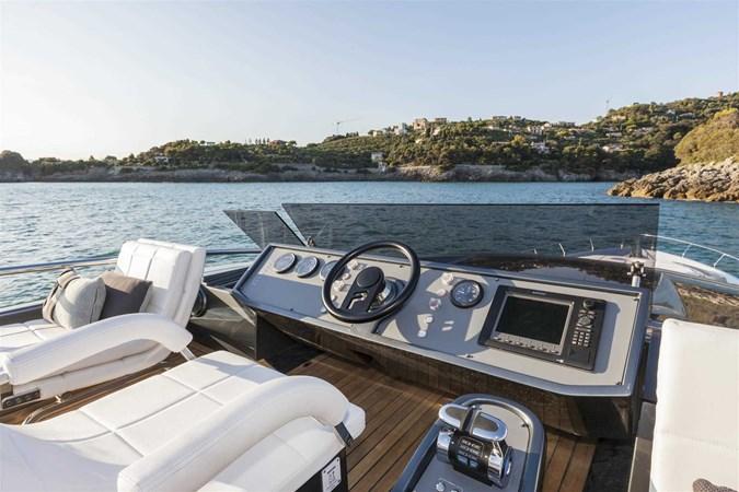 2016 PERSHING 82 Express Motor Yacht 2785730