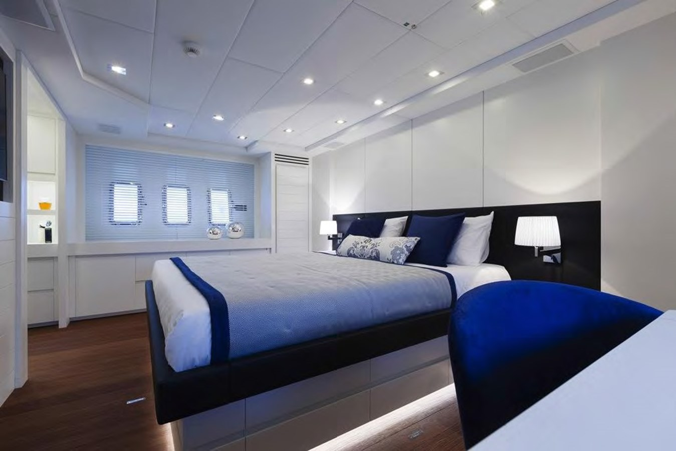 2018 Overmarine Group  Motor Yacht 2790605