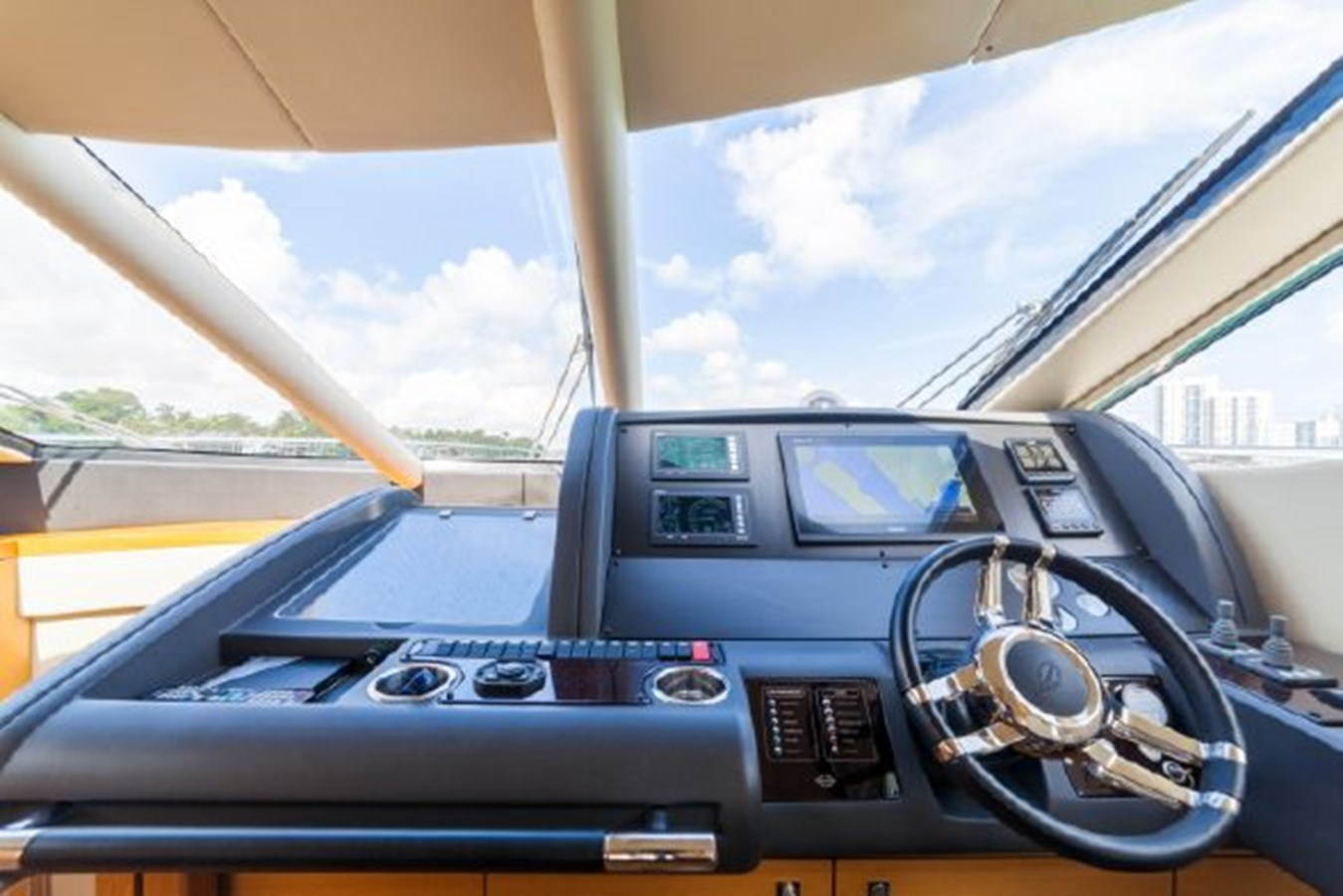 21 2011 SUNSEEKER Manhattan Motor Yacht 2795499