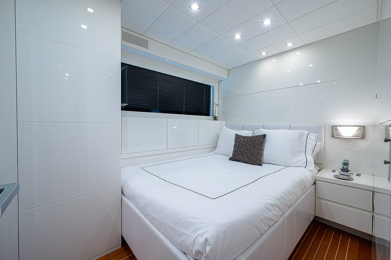 Friday_Port Guest Stateroom1 2007 ARNO LEOPARD Express Mega Yacht 2795855