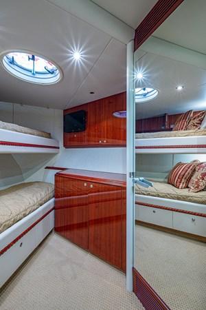 Forward Stateroom 2003 LAZZARA  Motor Yacht 2803244