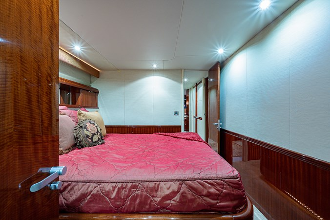 Starboard Guest Stateroom 2003 LAZZARA  Motor Yacht 2803249