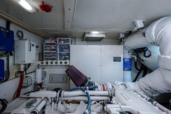 Engine Room 2003 LAZZARA  Motor Yacht 2803264