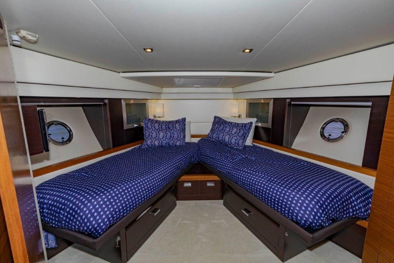 fwd VIP split berths 2017 TIARA 53 Flybridge Cruiser 2799119