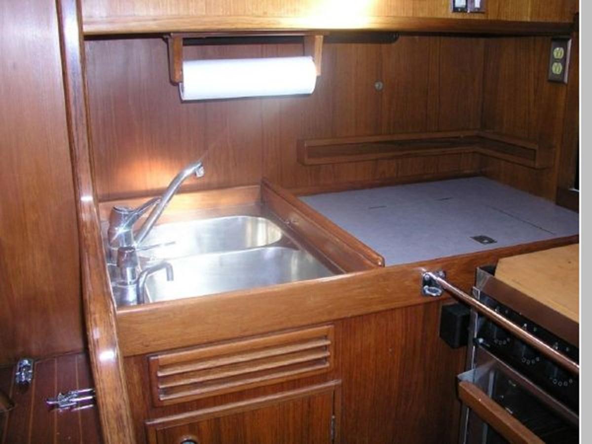 19 1984 NAUTOR'S SWAN 391 Cruising Sailboat 2799170