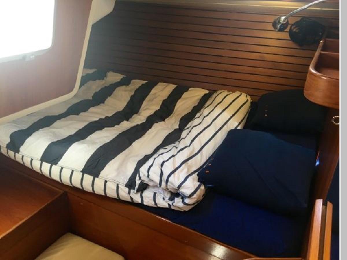 28 1984 NAUTOR'S SWAN 391 Cruising Sailboat 2799179
