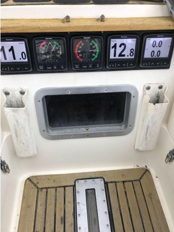 35 1984 NAUTOR'S SWAN 391 Cruising Sailboat 2799186