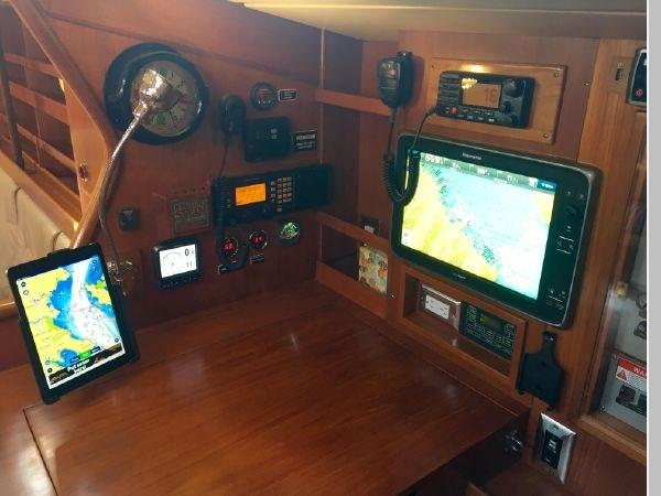 23 1984 NAUTOR'S SWAN 391 Cruising Sailboat 2799174