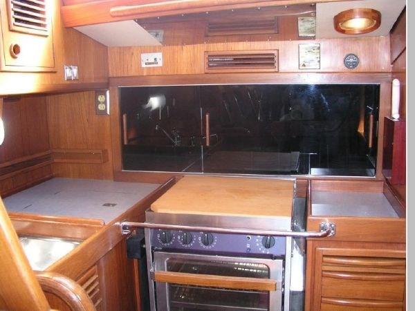 26 1984 NAUTOR'S SWAN 391 Cruising Sailboat 2799177