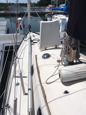 Bow 1974 C & C Yachts  Cruising/Racing Sailboat 2801351