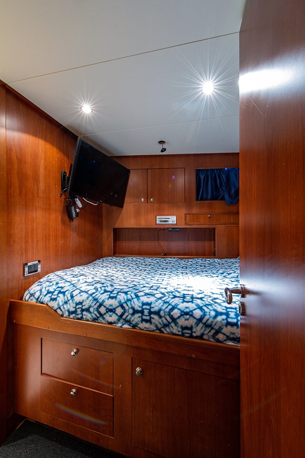 Rutli E_Crew Quarters7 2006 BENETTI  Motor Yacht 2802311