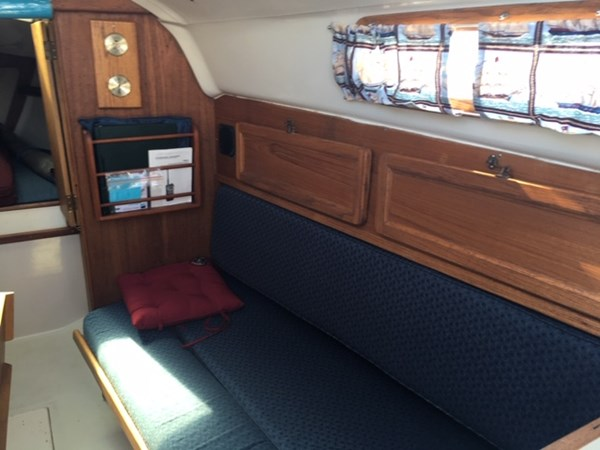 IMG_1585 1975 C & C Yachts 25 Cruising/Racing Sailboat 2802720