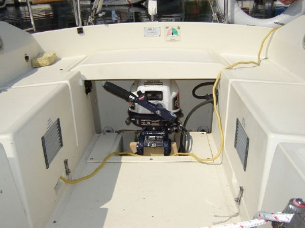 Cockpit 1982 KELT MARINE 25' 7.60 Cruising/Racing Sailboat 2802747