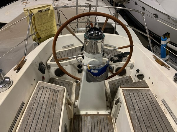 011 1974 NAUTOR'S SWAN 38 Cruising Sailboat 2803410