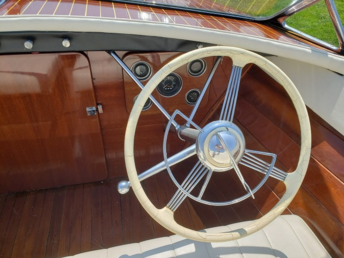 11 1952 CHRIS CRAFT Holiday Runabout 2804948