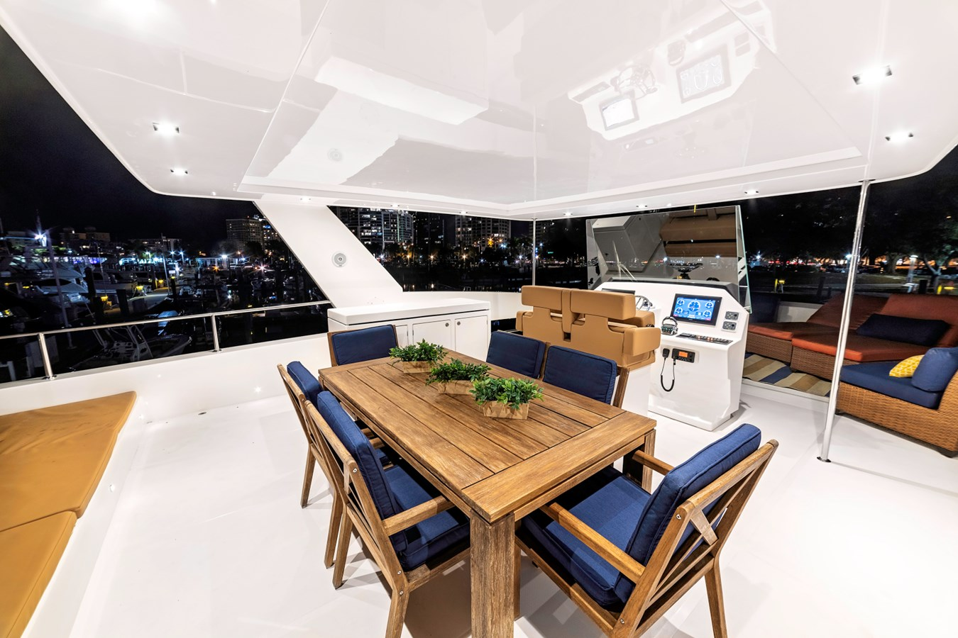 54 Overblue Power-Cat Flybridge Dining 2018 Overblue 54 Power-Cat Catamaran 2806168