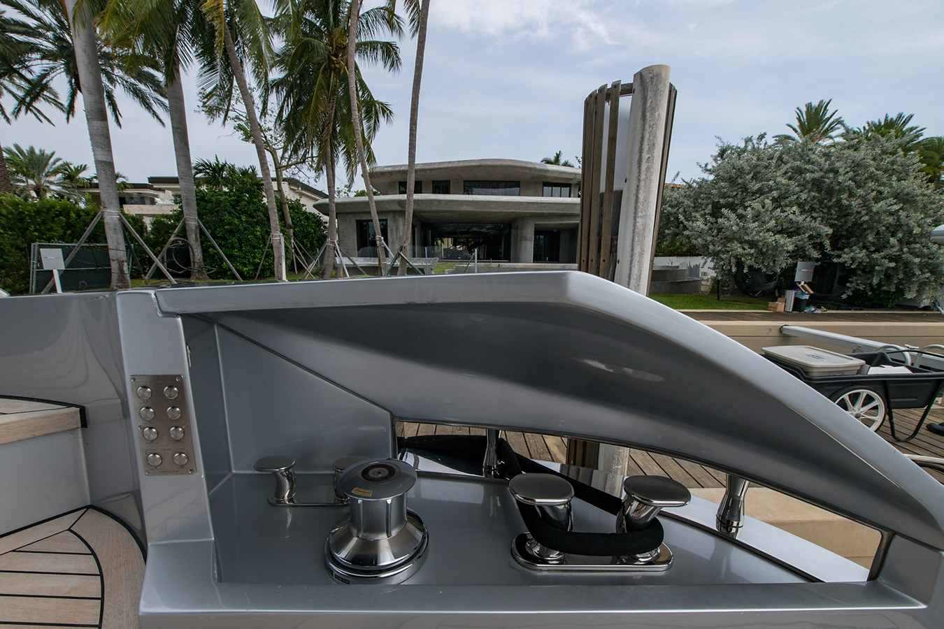 Incognito_Aft deck21 2012 PERSHING  Motor Yacht 2810236