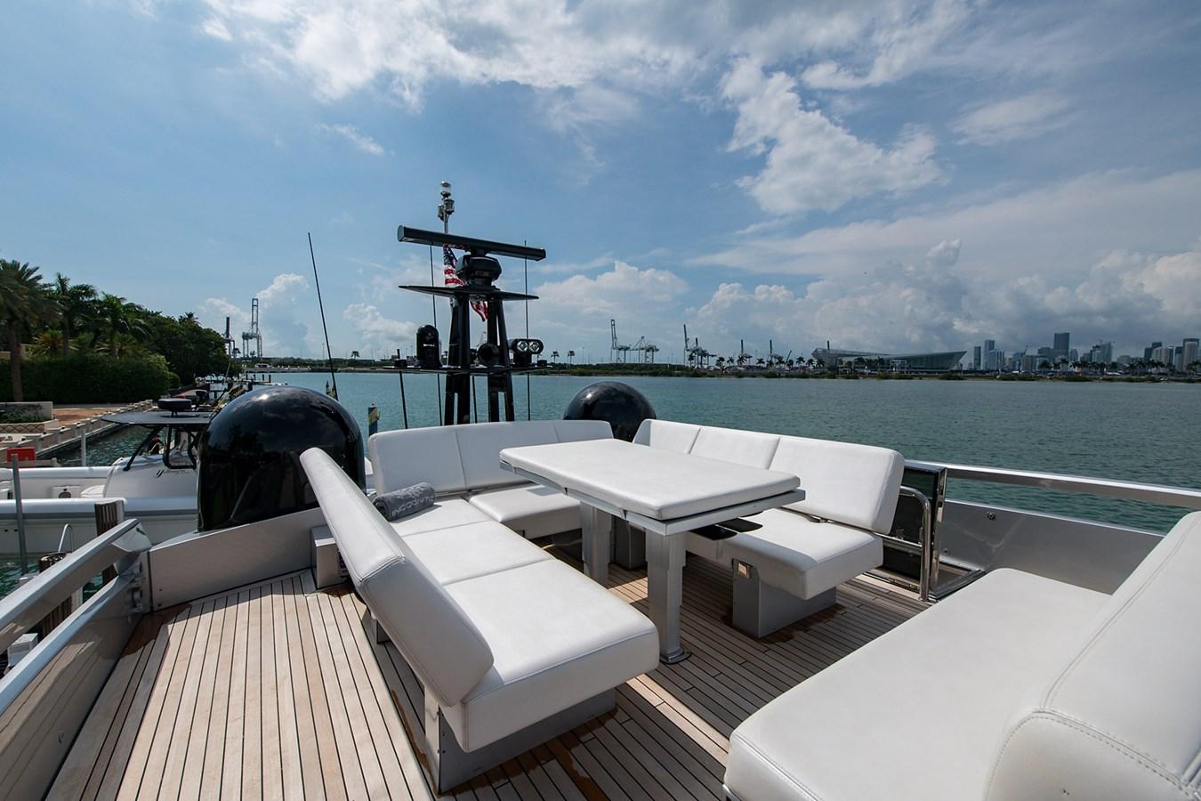 Incognito_Bridge3 2012 PERSHING  Motor Yacht 2810300