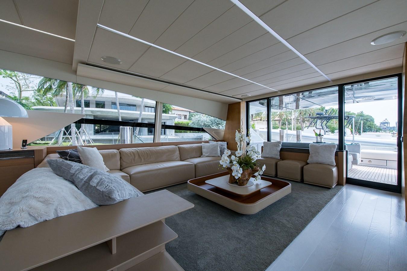 Incognito_Salon2 2012 PERSHING  Motor Yacht 2810379