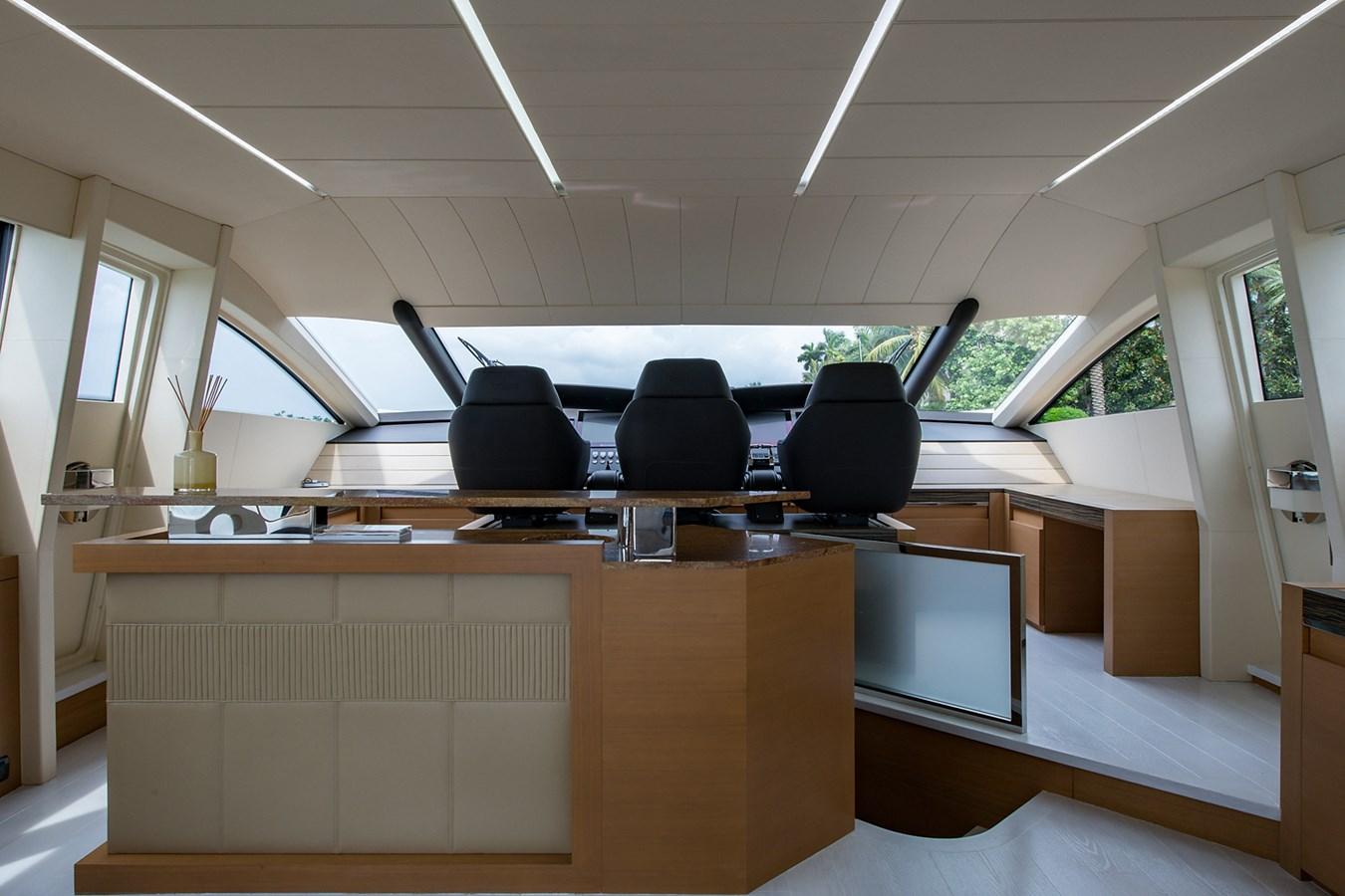 Incognito_Salon17 2012 PERSHING  Motor Yacht 2810391