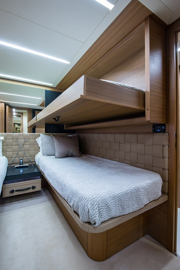 Incognito_Starboard Guest Stateroom6 2012 PERSHING  Motor Yacht 2810409