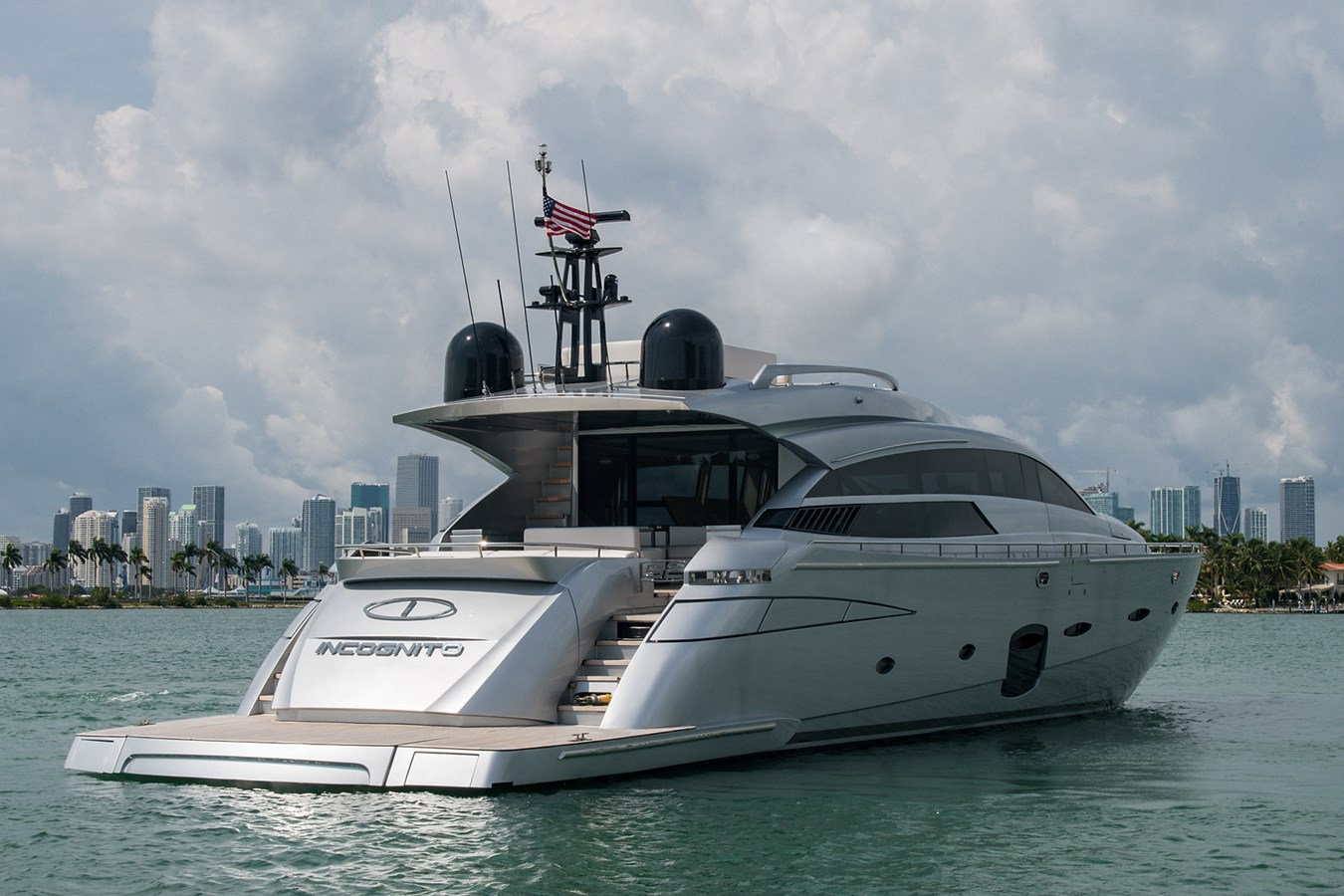 Incognito_Stern Profile5 2012 PERSHING  Motor Yacht 2810537