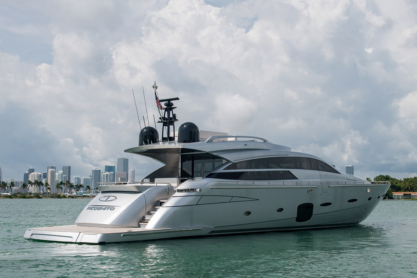 Incognito_Stern Profile6 2012 PERSHING  Motor Yacht 2810539
