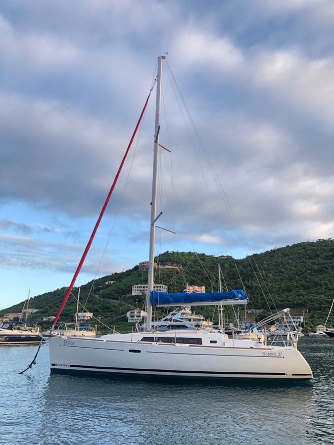 2010 BENETEAU Oceanis 37 Cruising/Racing Sailboat 2810757