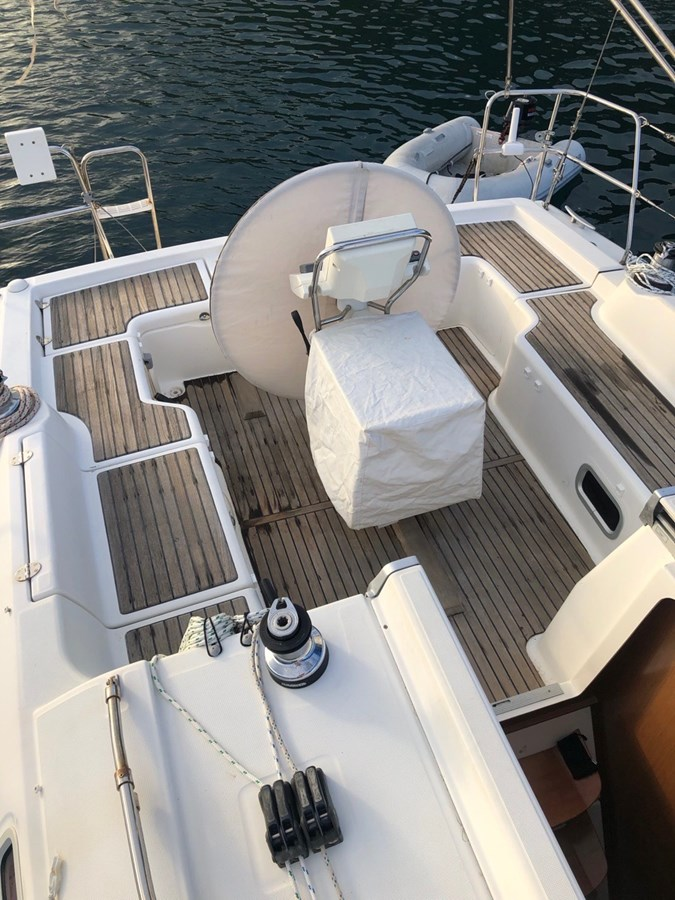 2010 BENETEAU Oceanis 37 Cruising/Racing Sailboat 2810773
