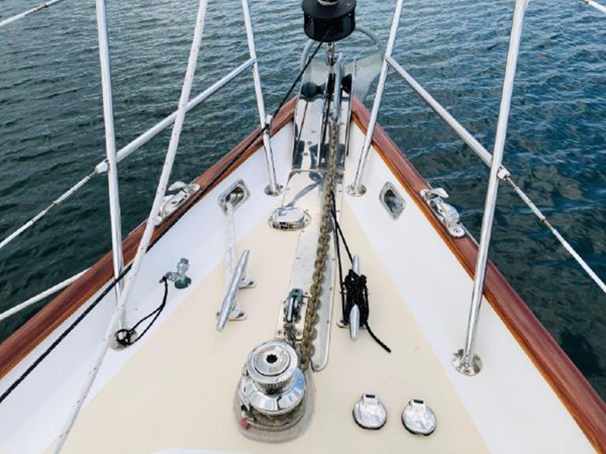5 2001 MORRIS YACHTS Ocean Series Cruising Sailboat 2811240