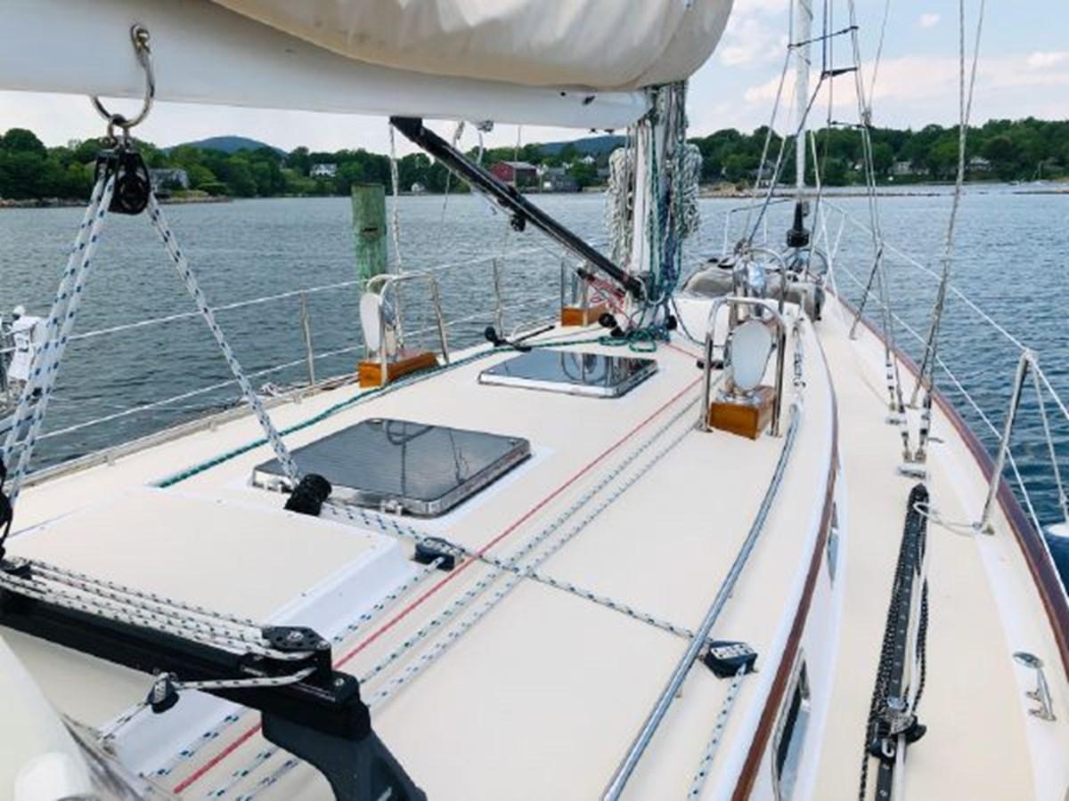 6 2001 MORRIS YACHTS Ocean Series Cruising Sailboat 2811241