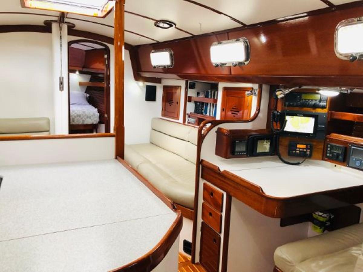 10 2001 MORRIS YACHTS Ocean Series Cruising Sailboat 2811245