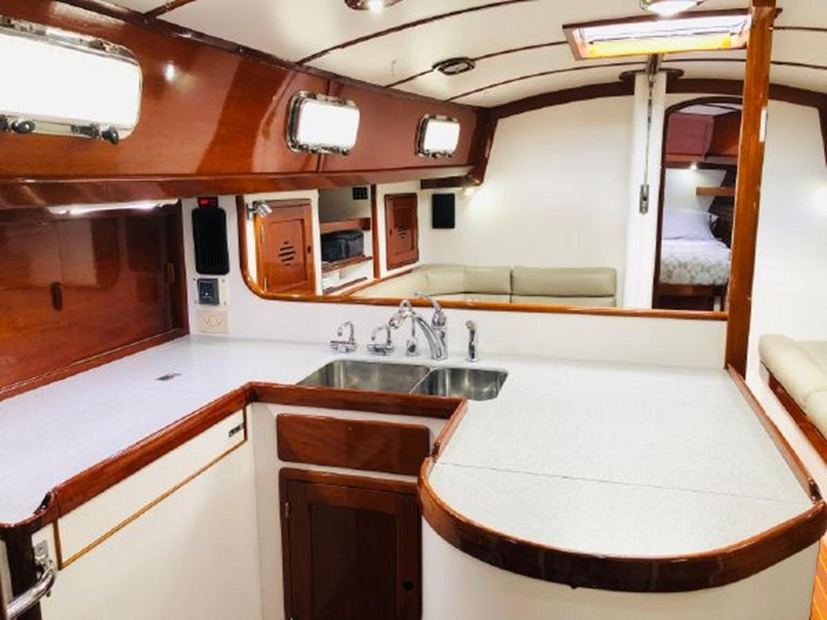11 2001 MORRIS YACHTS Ocean Series Cruising Sailboat 2811246