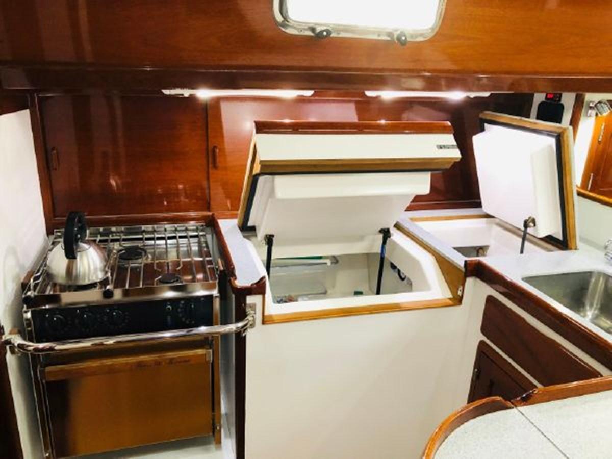 13 2001 MORRIS YACHTS Ocean Series Cruising Sailboat 2811248