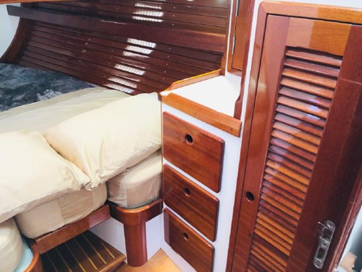 27 2001 MORRIS YACHTS Ocean Series Cruising Sailboat 2811262