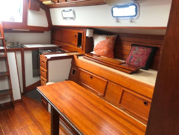5 1978 CUSTOM  Vineyard Vixen 34 Cruising Sailboat 2811470