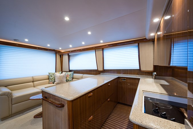 Galley 2007 VIKING  Sport Fisherman 2812450