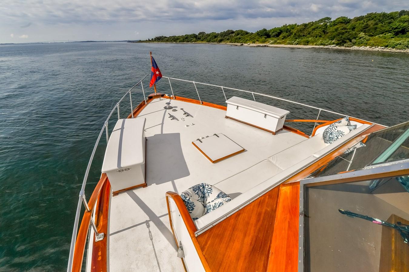 Foredeck 2 1973 TRUMPY  Motor Yacht 2812638