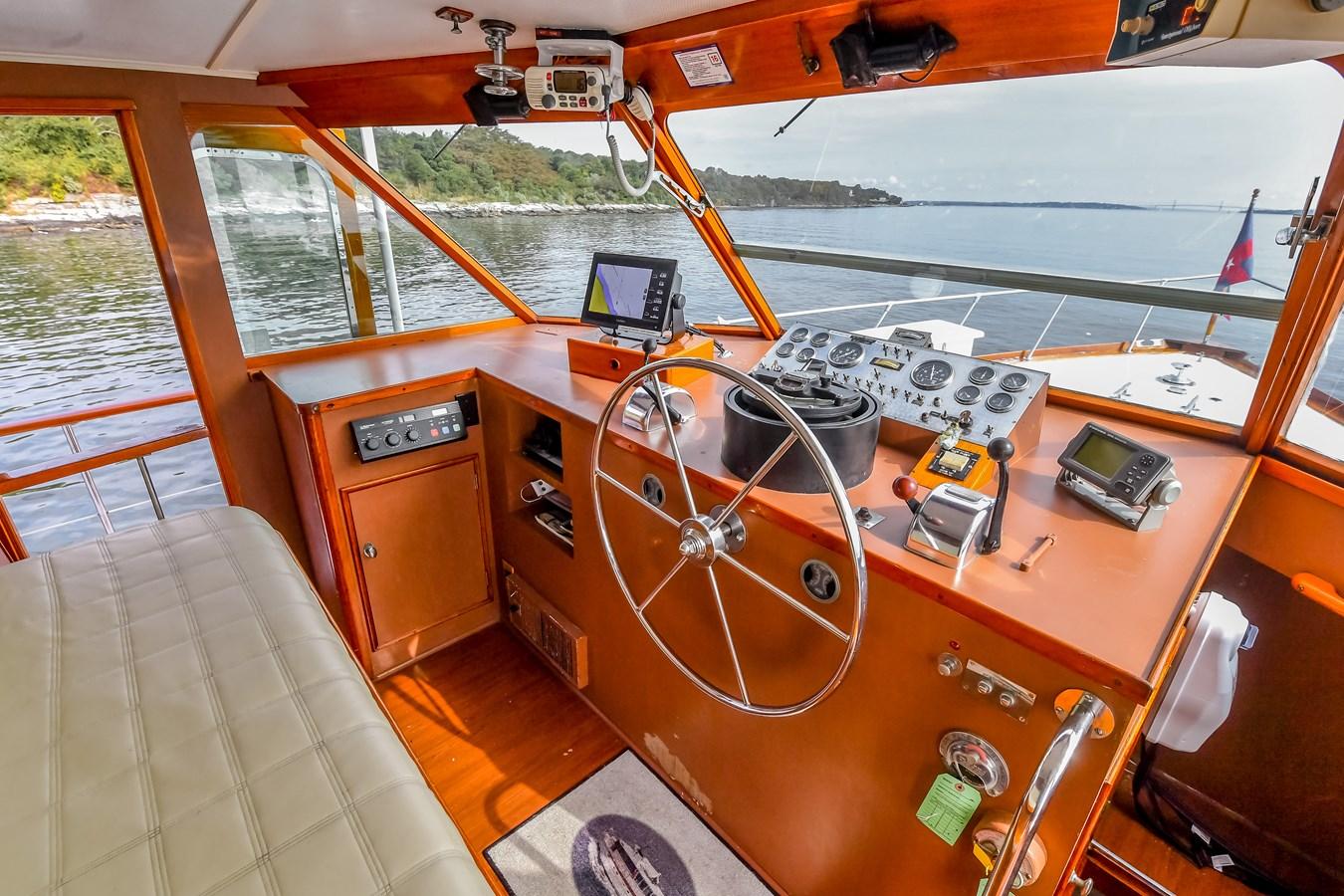 Wheelhouse 8 1973 TRUMPY  Motor Yacht 2812647