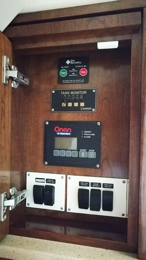 Electrical Panel1 2014 ALBEMARLE  Sport Fisherman 2813476