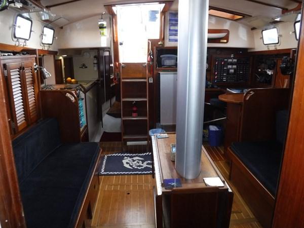 DSCF8057 1986 BREWER  Center Cockpit 2815611