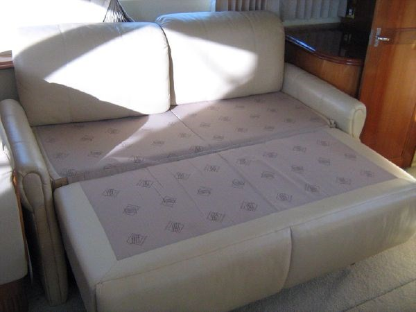 salon starboard settee made into bed 2005 CARVER 444 Motor Yacht 2816831