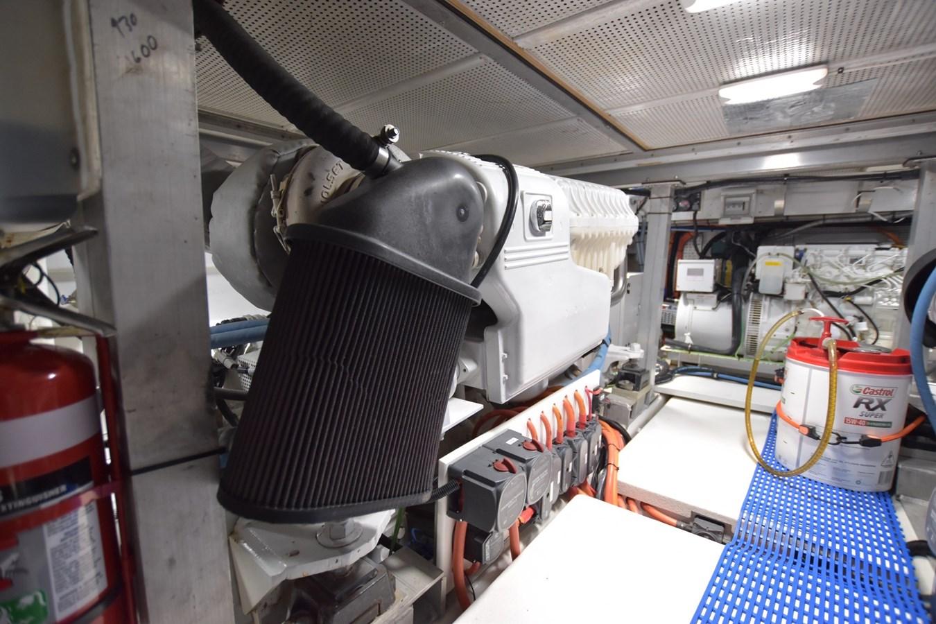 a engine 1987 G & S  Sport Fisherman 2815328