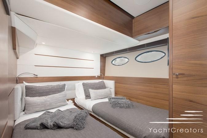 2015 PRINCESS YACHTS 68 Flybridge Motor Yacht 2815403
