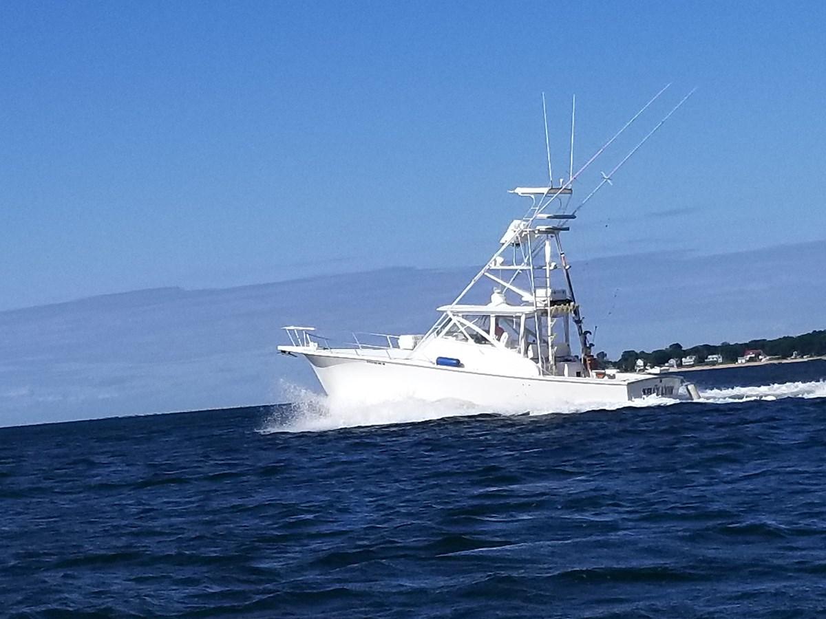 20190825_092215 2002 JERSEY Canyon Express Sport Fisherman 2816172