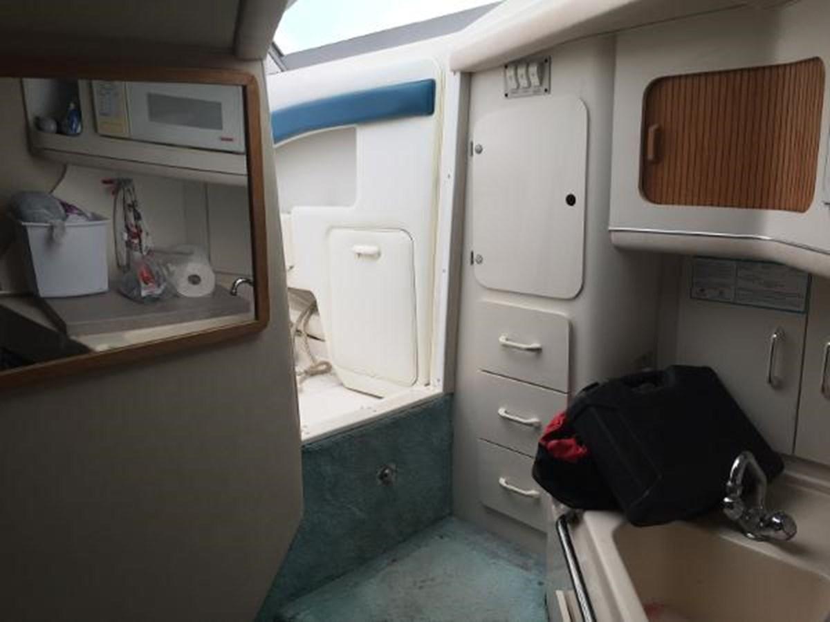 Sea Ray Cabin Entry 1996 SEA RAY 300 Sundancer Cruiser 2817014
