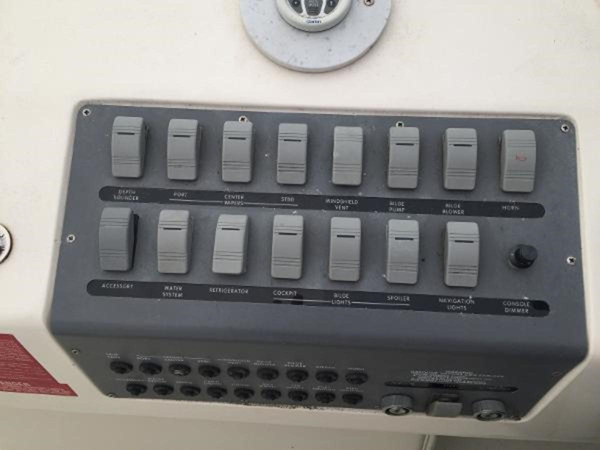 Sea Ray Control Console 1996 SEA RAY 300 Sundancer Cruiser 2817015